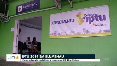 Blumenau espera arrecadar cerca de R$ 90 milhões com o IPTU - Blumenau espera arrecadar cerca de R$ 90 milhões com o IPTU