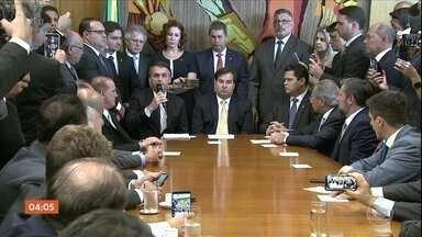 Jair Bolsonaro entrega proposta de reforma da Previdência no Congresso Nacional - O texto estabelece idade mínima para requisitar o benefício e as mesmas regras para trabalhadores dos setores público e privado.