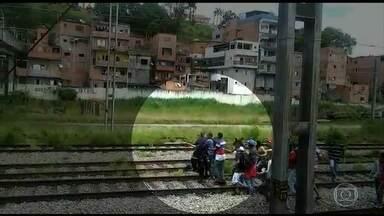 Governo de SP vai reforçar a segurança dos trens com homens da PM - A medida foi tomada depois que seguranças da CPTM - companhia responsável pelos trens em São Paulo - foram agredidos por ambulantes numa estação.
