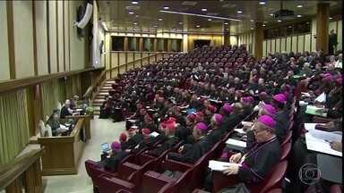 Conferência pede que todos os religiosos envolvidos em pedofilia sejam responsabilizados - Encontro no Vaticano debate, até domingo, como combater os abusos sexuais cometidos pelo clero da Igreja Católica.