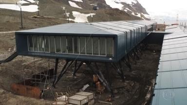 Estação brasileira na Antártica renasce com segurança reforçada após incêndio - Fundações tiveram que passar as camadas de 20 metros de gelo para chegar à rocha e foram dimensionadas para ventos de até 200 quilômetros por hora e abalos sísmicos.