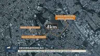 Alunos ficam sem aula por falta de vagas nas escolas do Santa Cruz em Ribeirão Preto, SP - Mães reclamam da distância que crianças precisam percorrer de casa até a escola.