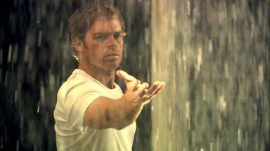 Devolva Ao Remetente - O assassino do caminhão de gelo deixa uma surpresa para Dexter, que acaba na mira da sua própria equipe de investigação.