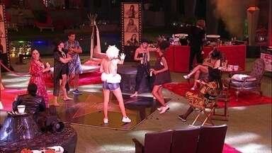 Elana dança e Gabriela diz: 'Você não sabe com quem você tá brincando' - Elana dança e Gabriela diz: 'Você não sabe com quem você tá brincando'