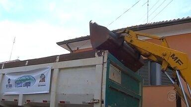 Projeto Cidade Limpa está em Alvinlândia - Os moradores de Alvinlândia terão nesta quinta-feira (28) a oportunidade de se livrar daquele material que pode servir como criadouro da dengue descartando esse tipo de lixo nos caminhões do Projeto Cidade Limpa, promovido pela TV TEM em parceria com as prefeituras e comunidades.