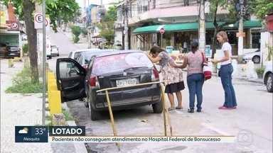 Pacientes não conseguem atendimento no Hospital Federal de Bonsucesso - Várias alas do hospital ficaram alagadas após a chuva deste domingo (3). O atendimento não estava normalizado. Segundo assessoria do hospital, o atendimento está normal.