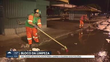 Depois da folia, entra o Bloco da Limpeza nas ruas do DF - Foliões deixam ruas imundas, durante o Carnaval. O SLU montou um esquema reforçado para fazer a limpeza. São quase mil garis para tirar 82 toneladas de lixo deixadas para trás.