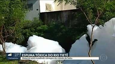 Espuma invade rios em Salto - Produto contaminado preocupa moradores.