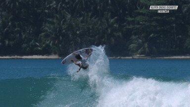 Grande Swell Na Indonésia