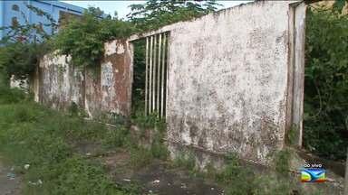 Escola fechada para reforma não tem obras iniciadas em São Luís - Comunidade do bairro Ipase de Cima, na capital, afirma que a escola comunitária Raio de Luz era mantida pela Prefeitura de São Luís e foi fechada para reforma que nunca teve início.