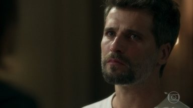 Gabriel não acredita no pedido de reconciliação de Valentina - Ele afirma que a mãe está agindo por interesse. Marilda conta para Eurico que ajudou a irmã a se encontrar com o filho