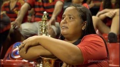 Saxofonista Fabiana de Kássia usa música para celebrar o amor que tem ao Sport - Herança rubro-negra vem do pai e, garante, é imprescindível na sua vida