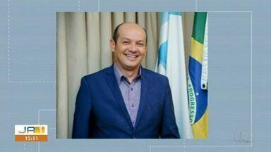 Prefeito Júlio Oliveira tem mandato cassado suspeito de pagar propina a vereadores - Prefeito Júlio Oliveira tem mandato cassado suspeito de pagar propina a vereadores