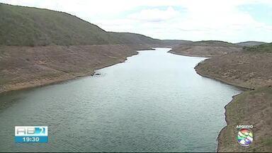 DNOCS acompanha obras na barragem de Jucazinho nesta quinta-feira (14) - Previsão é que trabalhos sejam concluídos até novembro desse ano.