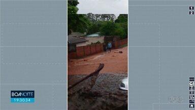 Chuva alaga ruas em Rio Bom - Confira a previsão do tempo para Maringá e região