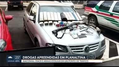 PM descobre ponto de tráfico de droga em Planaltina - Doze quilos de maconha, crack, armas e carros roubados foram encontrados numa chácara em Planaltina. Casa estava cheia de droga.