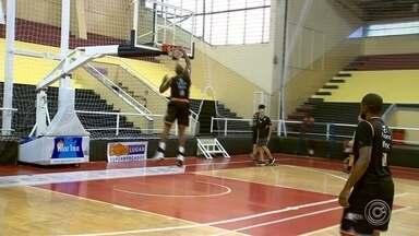 LSB se prepara para enfrentar Pinhas pelo Campeonato Brasileiro de Basquete - LSB se prepara para enfrentar Pinhas pelo Campeonato Brasileiro de Basquete.