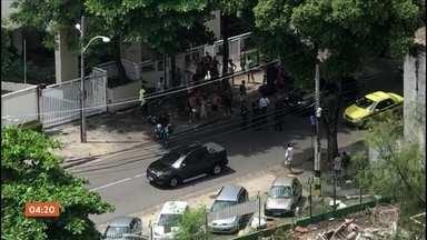 Sargento do Batalhão de Choque é morto durante tentativa de assalto no Rio de Janeiro - A violência voltou assuatar os moradores do Rio de Janeiro nesse domingo (17). Tiroteios foram registrados em diversos pontos da cidade.