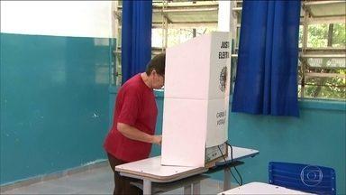 Eleição fora de época em Cajamar , Macaubal e Lagoinha - Nestes três municípios os prefeitos foram cassados e os eleitores voltaram às urnas.