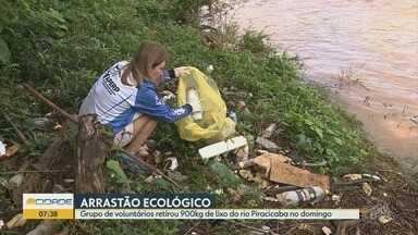 Cerca de 100 voluntários participam de mutirão de limpeza no Rio Piracicaba - Eles retiraram muito lixo do leito.
