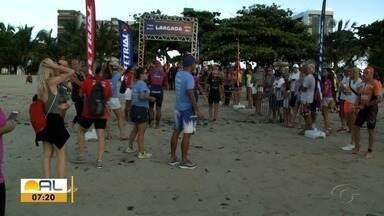 Campeonato Alagoano de Triatlon movimenta Praia da Pajuçara em Maceió - Competição contou com vários atletas para disputar três modalidades