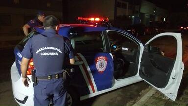 Registros de descumprimento de medida protetiva crescem em Londrina - Atualmente, há 3.300 medidas protetivas em vigor em Londrina. O G1 acompanhou o trabalho de guardas em atendimentos realizados no dia 8 de março, dia Internacional da Mulher.