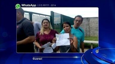 Candidatos de concurso em Guaraci reclamam do horário de fechamento de portões - Candidatos a concurso público de Guaraci (SP) estão reclamando do fechamento dos portões que deveria ter ocorrido às 14h, mas aconteceu 15 minutos antes.
