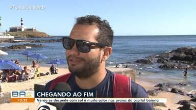 Turistas e moradores se despedem no último final de semana de verão nas praias de Salvador - Os pontos turísticos da capital baiana estavam cheio de banhistas.