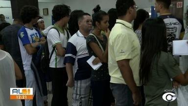 Está terminando o prazo para estudantes que usam ônibus recadastrarem o Cartão Bem Legal - Sede da Transpal tem ficado lotada de gente resolvendo pendências.