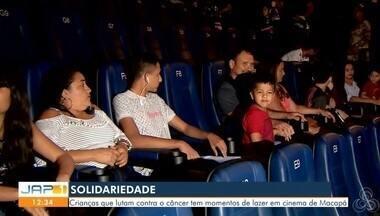 Crianças que lutam contra o câncer tem momentos de lazer em cinema de Macapá - Ideia que partiu de uma ONG para que as crianças tenham entretenimento ao lado de amigos e familiares.;