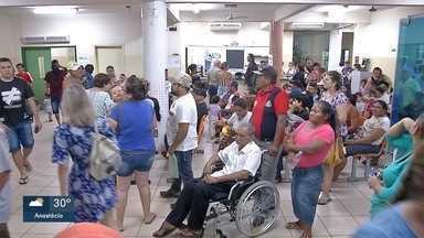 Pacientes lotam UPA Coronel Antonino, neste domingo - Segundo Sesau apenas dois médicos dos que estavam escaladados apareceram no trabalho.