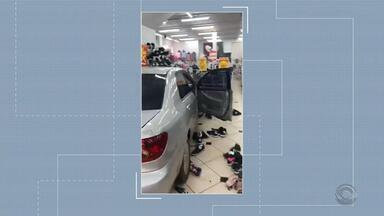 Mulher é atingida por carro que invadiu loja, em Ronda Alta - Assista ao vídeo.