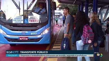 Empresas e trabalhadores do transporte público fazem acordo, diz a prefeito de Cascavel - Os trabalhadores devem fazer uma reunião esta noite para discutir proposta apresentada pelas empresas.
