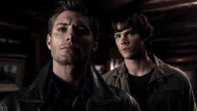 Wendigo - Sam e Dean seguem as coordenadas deixadas no diário de John e, durante uma parada, investigam sumiços em um acampamento. Lá, eles enfrentam uma criatura com força sobre-humana.