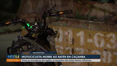 Um motoclicista morreu depois de bater numa caçamba sem sinalização - Veja quais são as regras para o uso de caçambas em Curitiba.