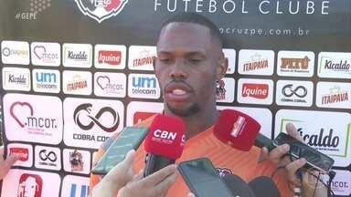 Santa Cruz apresenta meia-atacante Patrick Vieira, que já jogou pela equipe - Jogador estreou na semana passada, contra o Central, no Arruda