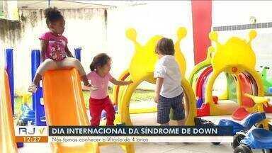No Dia Internacional da Síndrome de Down, RJTV mostra história de menino de 4 anos - Notícia de que Vitório tinha síndrome de down veio somente depois do parto. Os exames pré-natais não foram capazes de identificar a modificação genética do menino.