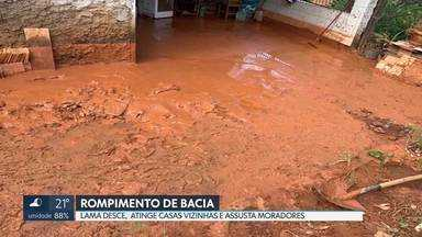 Barragem de contenção se rompe no Recanto das Emas - Lama atingiu três casas. Ninguém se feriu.