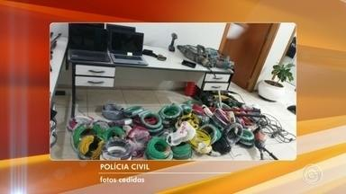 Homem rouba cabos e ferramentas de obra em condomínio de Jundiaí - Um homem foi preso depois de roubar cabos e ferramentas de uma obra de condomínios no Jardim Tulipas, em Jundiaí (SP).