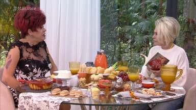 Programa de 22/03/2019 - Ana Maria Braga recebe Nany People na Casa de Cristal. A artista fez sua estreia em novelas aos 53 anos com o personagem Marcos Paulo em 'O Sétimo Guardião'