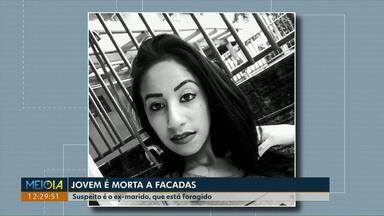Mulher de 20 anos é morta a facadas em Francisco Beltrão - Principal suspeito do crime é o ex-marido da vítima, que está foragido.