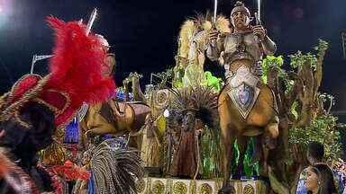 Carnaval fora de época em Uruguaiana segue neste sábado (23) - Os preparativos para a festa acontecem desde cedo na cidade.