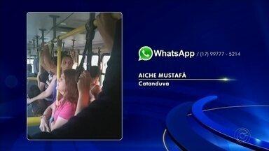 Moradores de Catanduva reclamam de lotação em ônibus na cidade - Os moradores de Catanduva estão reclamando da lotação do ônibus intermunicipal da cidade.