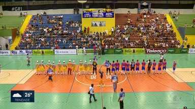 Abertura da 23ª Copa TV Grande Rio é marcada por emoções - Depois de muita expectativa, finalmente a turma do Futsal entrou em quadra pra mais edição da Copa TV Grande Rio.