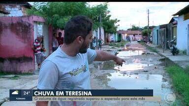 Moradores da Zona Norte de Teresina passam por transtornos devido à fortes chuvas - Moradores da Zona Norte de Teresina passam por transtornos devido à fortes chuvas