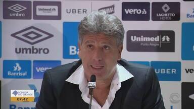 Confira o que o técnico Renato do Grêmio achou da sua estátua - Assista ao vídeo.