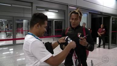 Deportivo Lara é recepcionado em Confins porr venezuelano, mas tem bagagem extraviada - Time da Venezuela enfim chega para jogo com o Cruzeiro pela Copa Libertadores