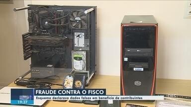 Computadores e documentos são apreendidos durante operação contra fraude no IR - Computadores e documentos são apreendidos durante operação contra fraude no IR