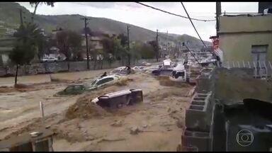 Enchentes deixam 24 mortos no Irã e no Iraque - Mais de 200 pessoas ficaram feridas. Tempestade atingiu 28 das 31 províncias do Irã.