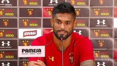 Luan, do Sport, cumpre promessa de fazer uma melhor temporada em 2019 - No América-MG ele não foi tão bem, em 2018, só marcando dois gols. No Leão, já fez três